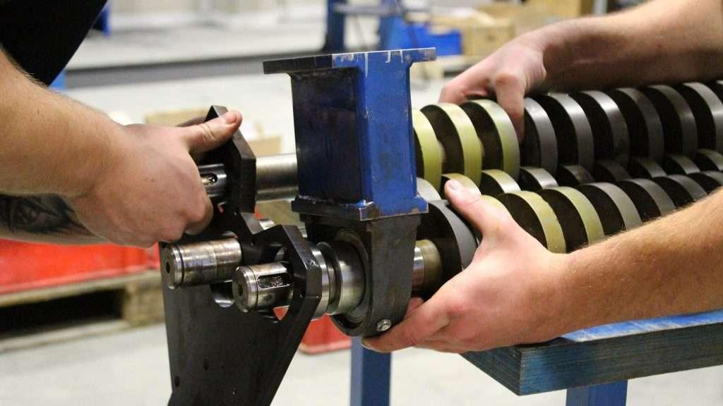 Výroba, vývoj a konstrukce jednoúčelových strojů pro upravárenský průmysl